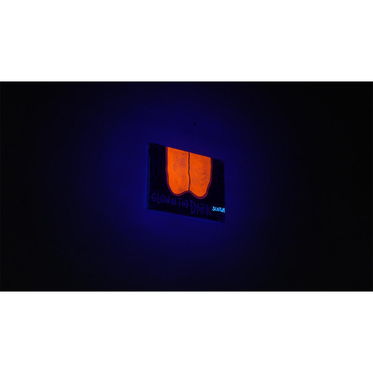 GLOW IN THE DARK SCROTUM (dark) 01 - Frank Willems